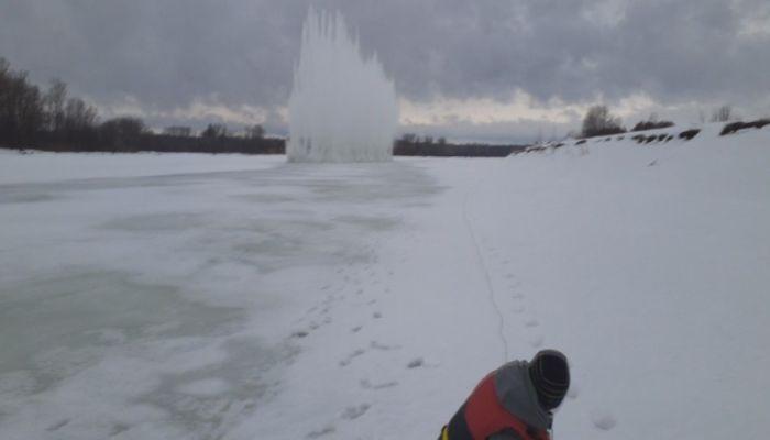 Лед начали взрывать на алтайских реках