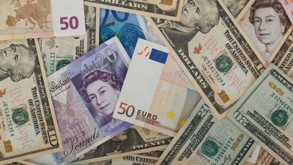 Доллар перевалил за 80 рублей по итогам торгов