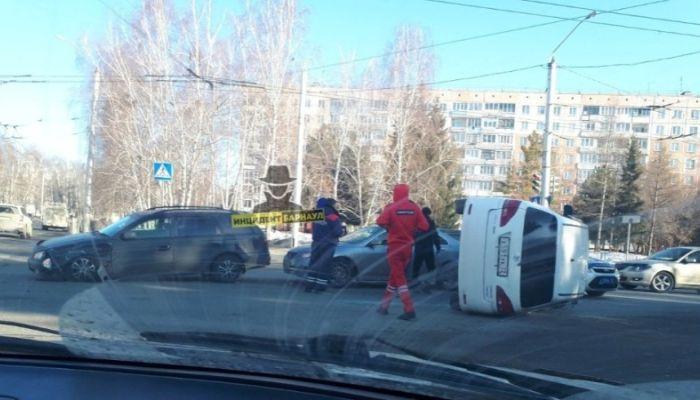 Водитель был пьян: в полиции рассказали о ДТП с перевертышем в Барнауле