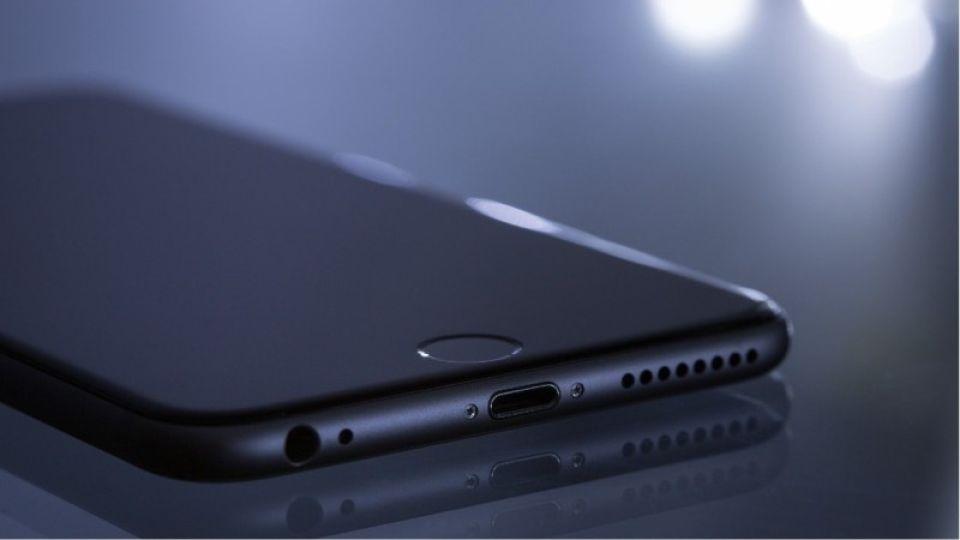 Apple отложит выпуск смартфонов 5G из-за коронавируса