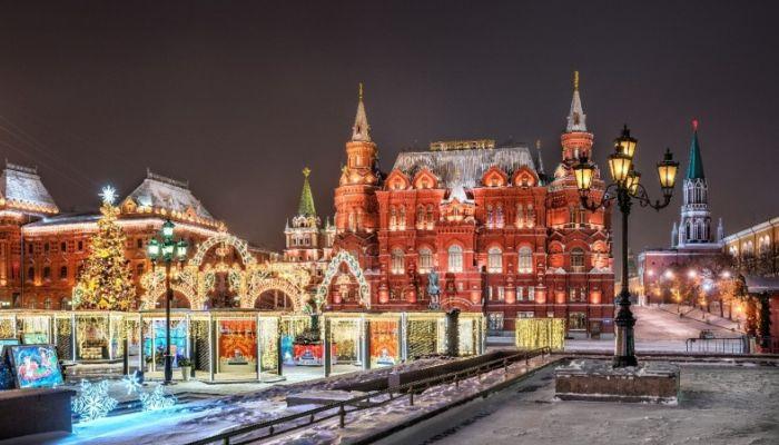 Собянин закрыл кафе и салоны в Москве и призвал россиян не ездить в столицу