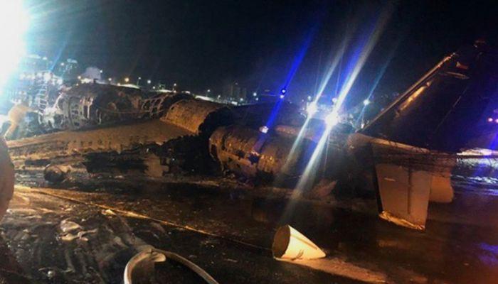 Пассажирский самолет потерпел крушение на Филиппинах