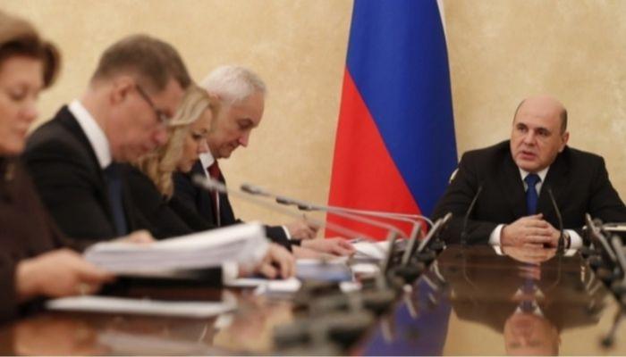 Мишустин призвал губернаторов закрыть регионы