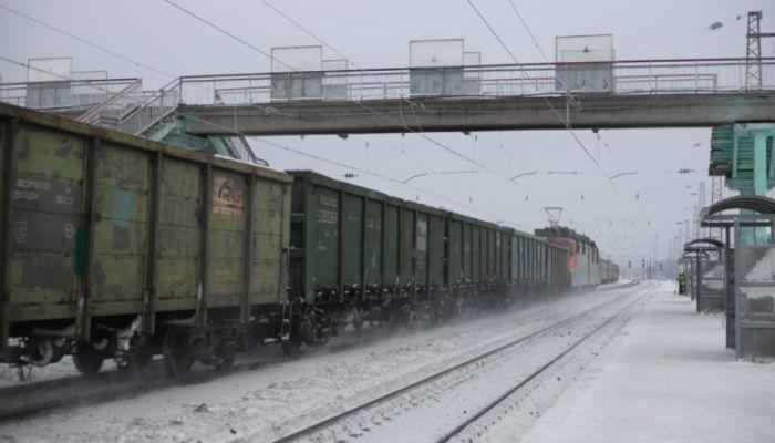 Доставку гречки в регионы грузовыми поездами упростили из-за карантина