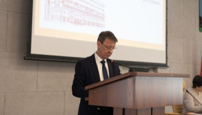 Мы переживаем сложное время: мэр Барнаула обратился к горожанам