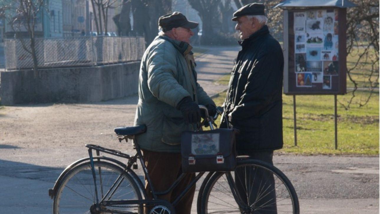 Алтайские пенсионеры смогут самоизолироваться на дачах без штрафных санкций
