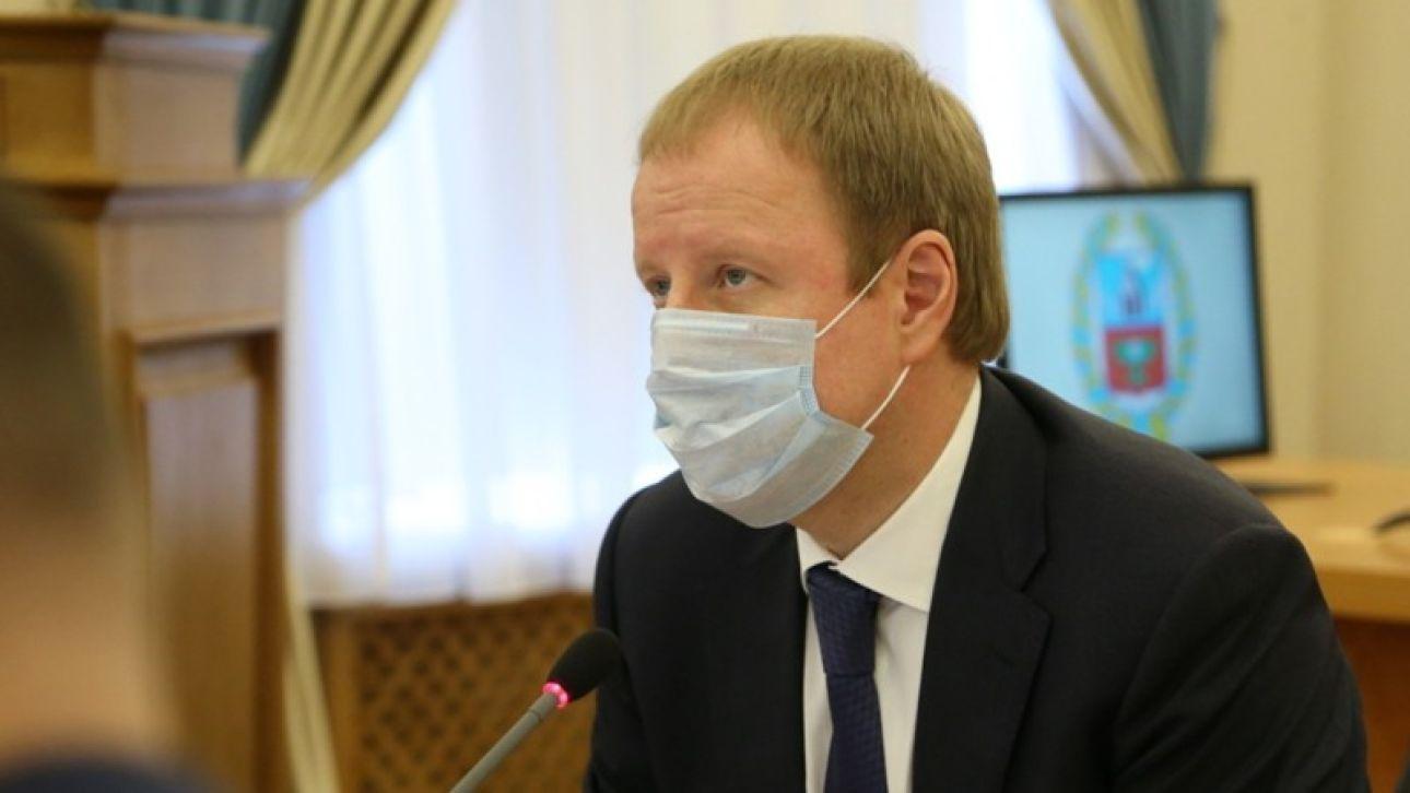 Томенко разрешил работать юристам и оптовикам. Новые поправки