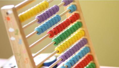 На Алтае заявления на пособие на детей от трех до семи лет будут принимать с мая