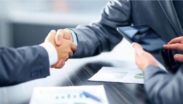 Бюрократия и условия: банки отказывают бизнесу в дешевых кредитах на зарплаты