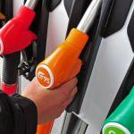 Цены на бензин начали падать в Алтайском крае
