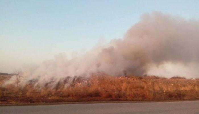 Мусорный полигон горит в Камне-на-Оби