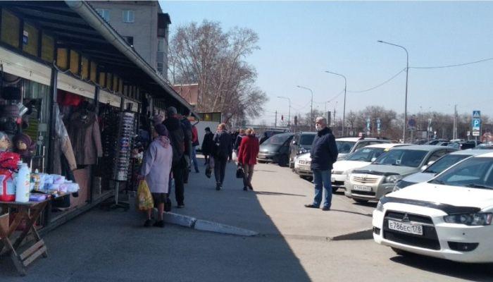Магазины, рынки и торговые центры заработали в Барнауле вопреки карантину