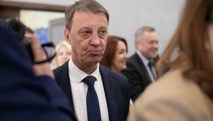 Давит на совесть: мэр Барнаула просит жителей сидеть по домам