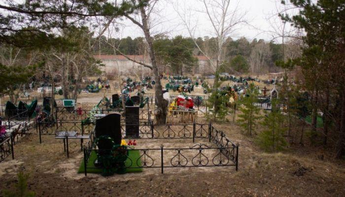 Бесплатные автобусы отменены: барнаульцев просят не посещать кладбища в Радоницу