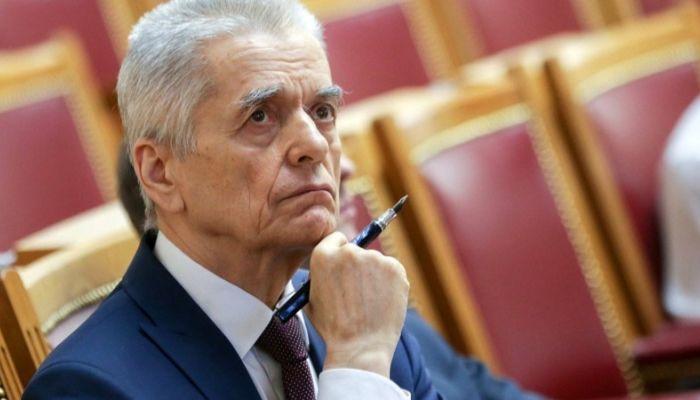 Геннадий Онищенко обвинил фармкомпании в финансировании антипрививочников