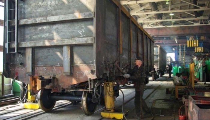 Угроза забастовкой: пролетарский листок обратился к рабочим Алтайвагона