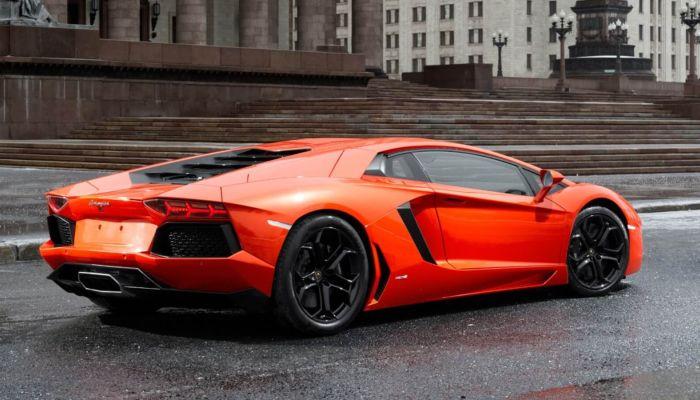 Пятилетний ребенок угнал машину у родителей в США и поехал за новым Lamborghini