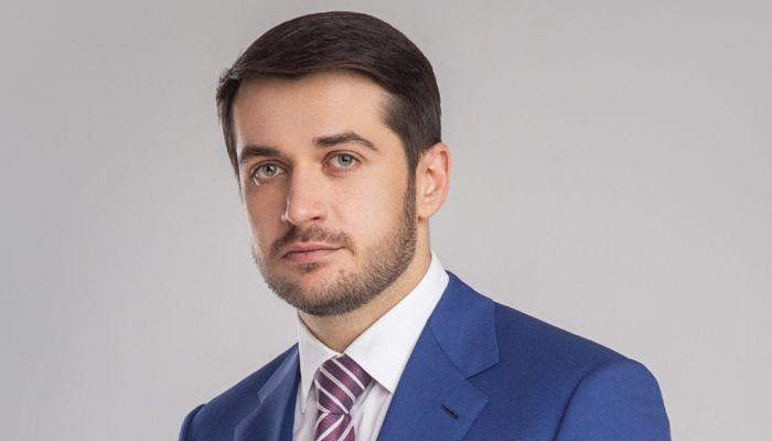Депутат Госдумы Александр Прокопьев поздравляет жителей Алтая с Днем Победы