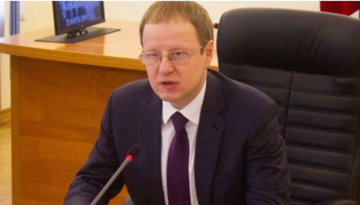 Вы - гордость страны: Томенко поздравил жителей Алтайского края с Днем Победы