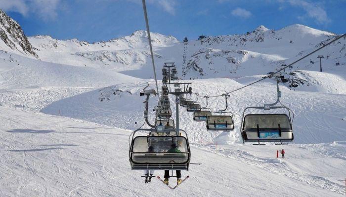 В трубу: при стройке горнолыжного комплекса Манжерок украли 10 млн рублей
