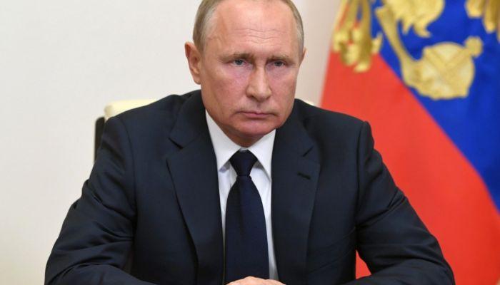 Путин недоволен работой Госуслуг, которые не справились с натиском россиян