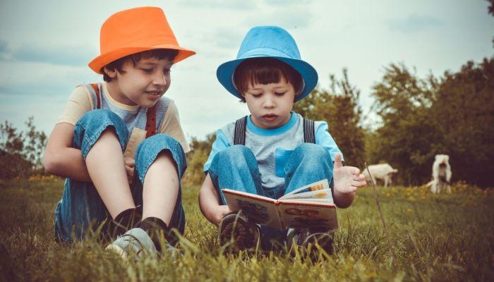 Чем занять ребенка летом, а что отложить до учебного года: советы психолога