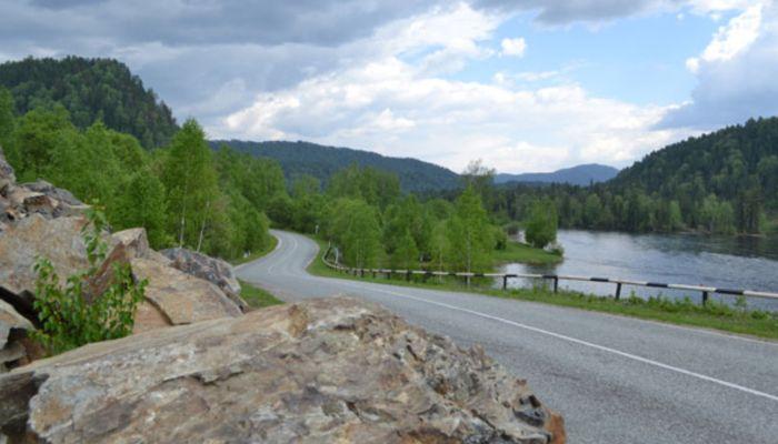 Дорогу на Телецкое включили в федеральный Чуйский тракт и отремонтируют