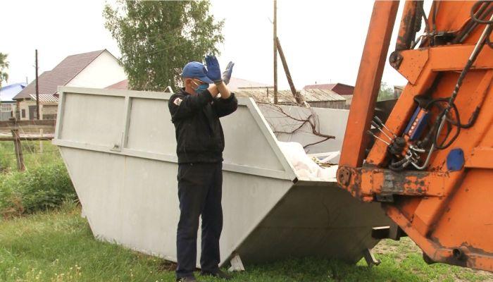 В алтайских селах начали вывозить мусор по новой схеме