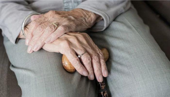 Как перейти на пенсию умершего супруга в период пандемии