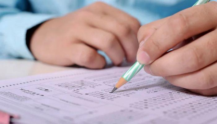 В Минобрнауки назвали сроки подачи документов на поступление в вузы