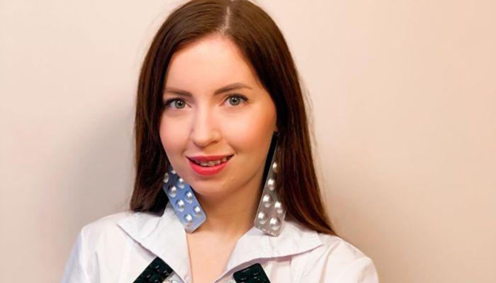 Блогер Диденко устроила вечеринку по случаю проводов старой груди