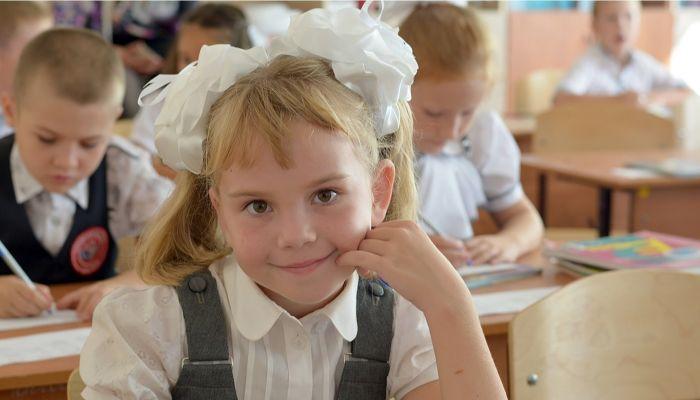 Ученики начальных классов в алтайских школах будут питаться бесплатно
