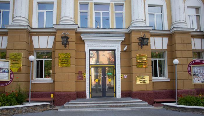В общежитие медуниверситета в Барнауле заселяют больных коронавирусом студентов