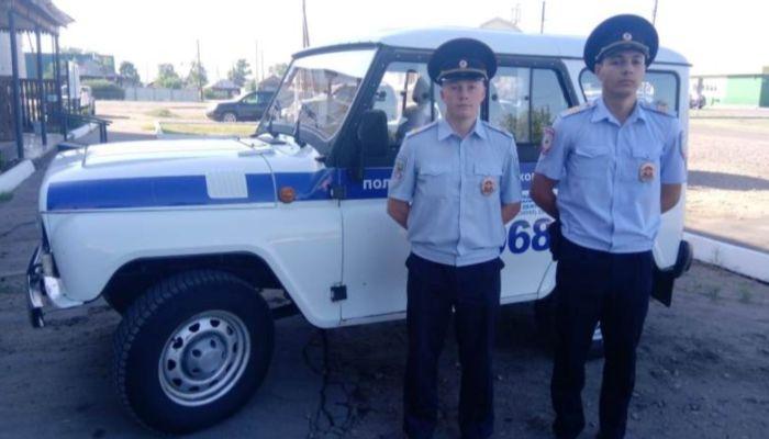 В Алтайском крае полицейские помогли роженице добраться до родзала