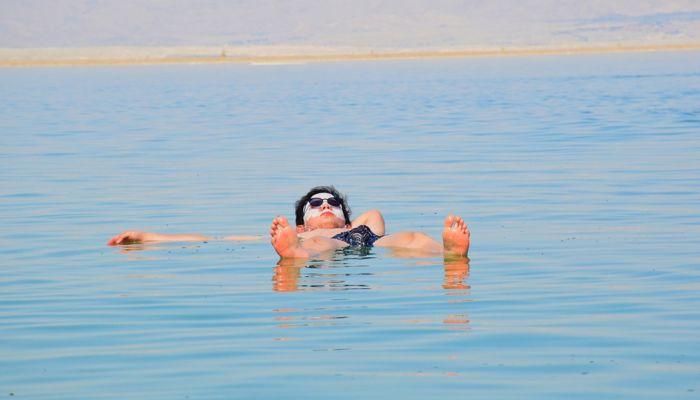 Россиян избавили от необходимости носить маски на пляжах
