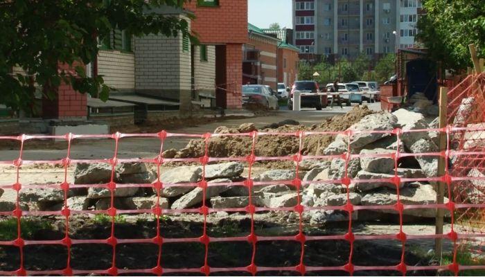 Барнаульцы подозревают частную клинику в уничтожении зеленой зоны