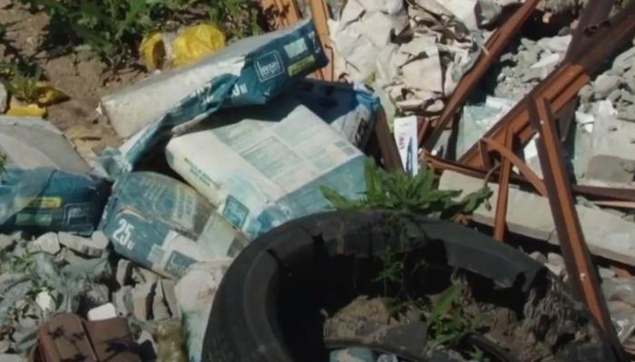 Убрали - везут: мэрия прокомментировала свалку в районе новостроек в Барнауле
