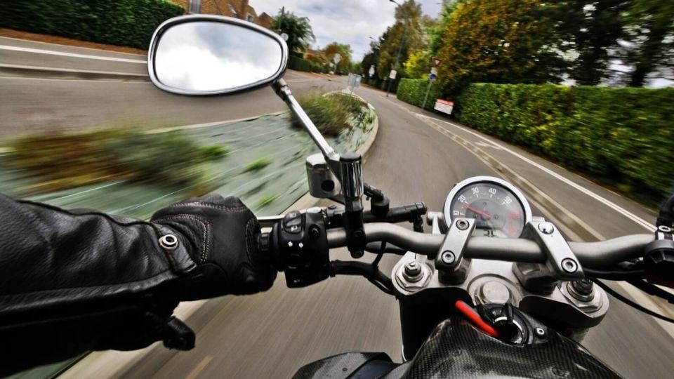 18-летний мотоциклист разбился ночью на алтайской дороге