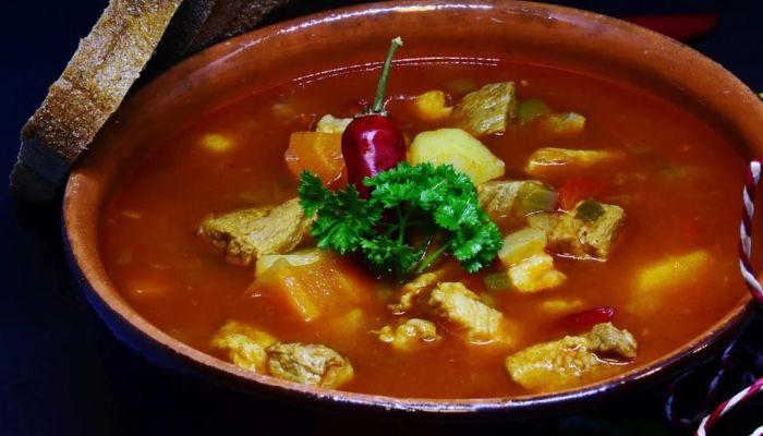 Диетолог рассказала о самом вредном для здоровья супе