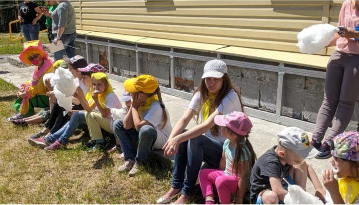 Барнаульские байкеры устроили праздник для детей из центра Солнышко