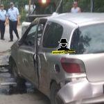 В Барнауле розовая иномарка протаранила забор санатория