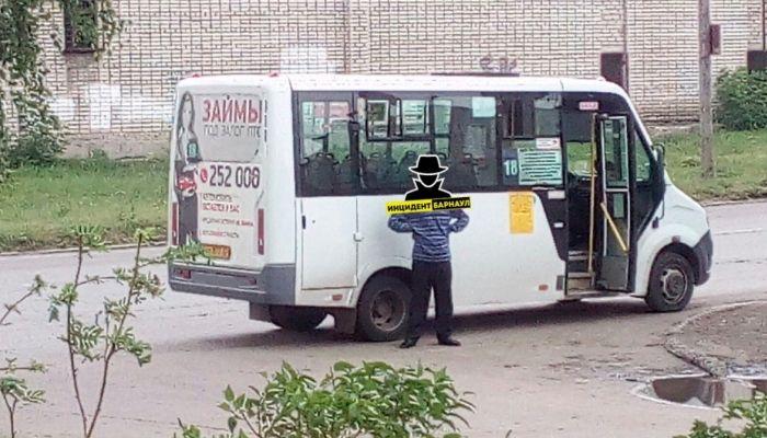 Полиция задержала шатающегося водителя маршрутки в Барнауле