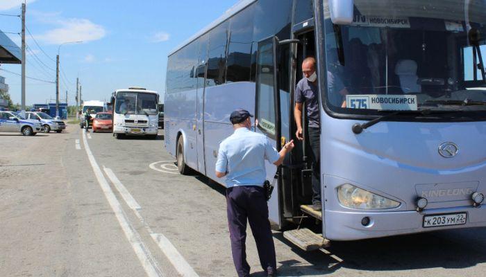 Какие правила нарушают водители автобусов в Барнауле