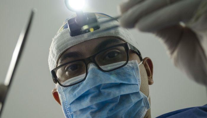 Променяли белый халат на эстраду: кто из звезд шоу-бизнеса по образованию медик