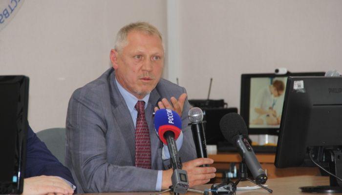 Держим удар: Валерий Елыкомов рассказал о медицине в Алтайском крае