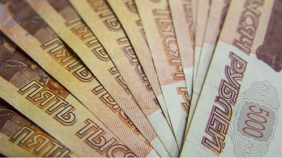 В Алтайском крае выделили 625 млн рублей на зарплаты бюджетникам
