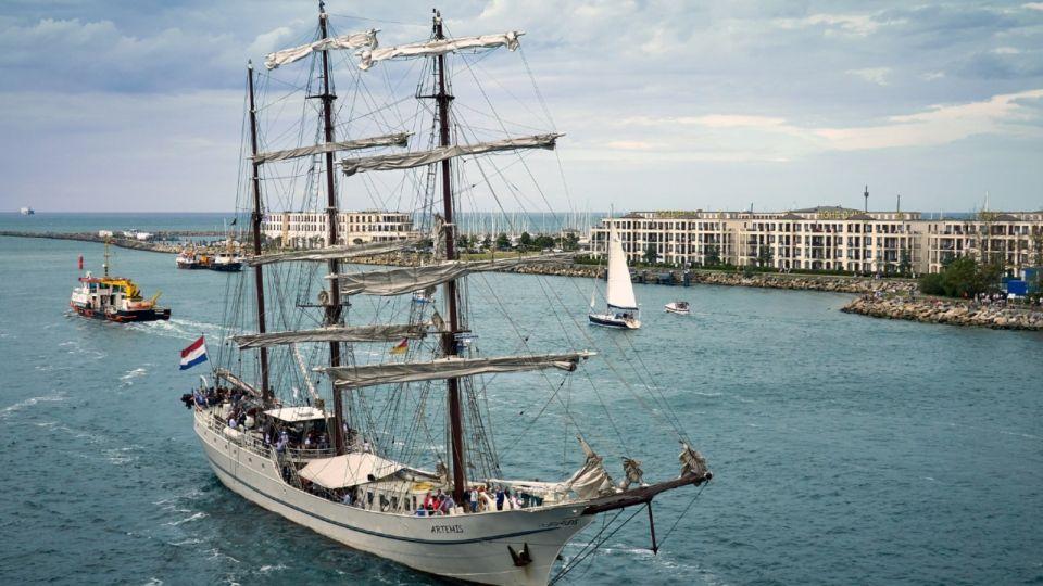 Что за праздник День моряка и  как его отмечают в России