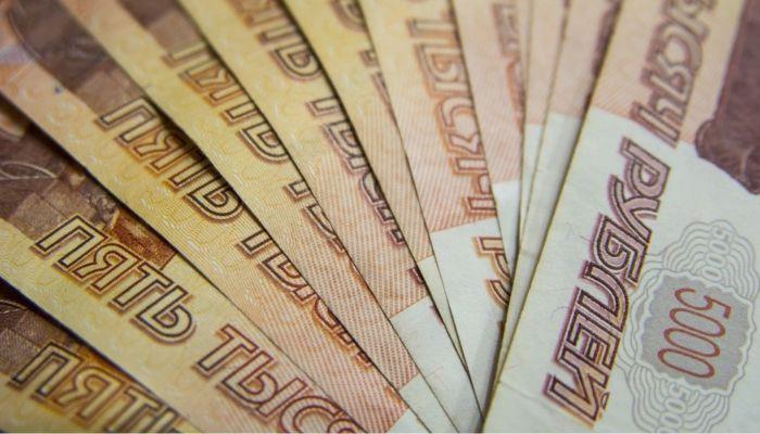 На Алтае женщина лишилась 200 тысяч, пытаясь взять кредит на сотню
