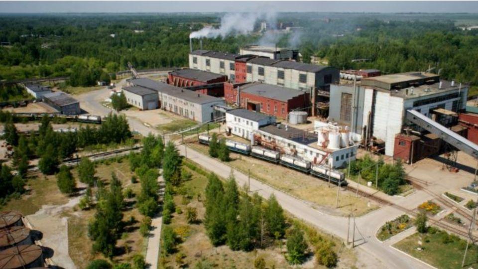 Число заболевших на олеумном заводе в Бийске растет
