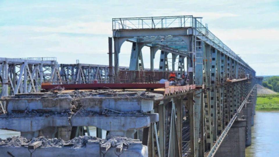На старом мосту в Барнауле начали ремонтировать эстакады